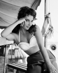 Elizabeth Taylor, - click to enlarge