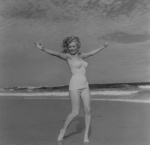 Marylin Monroe (1949) - click to enlarge